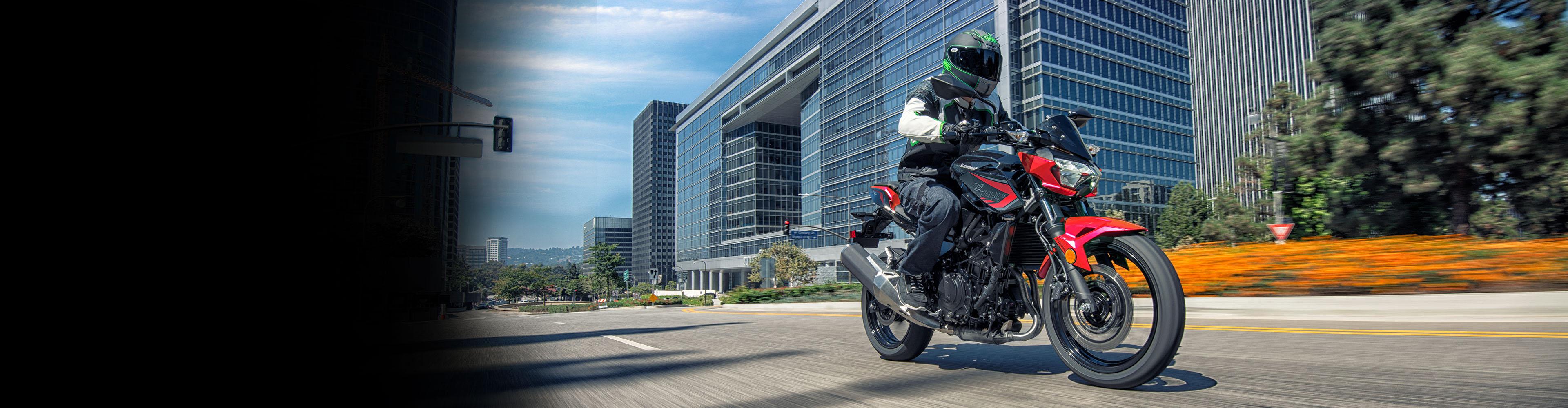 Kawasaki-Z400-modelo-2021-banner